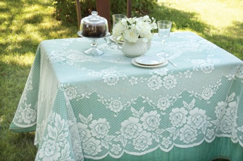 Victorian Rose Rectangle Tablecloth