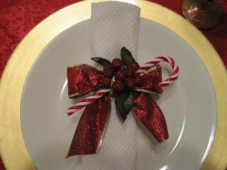 Crafts yourtablecloth christmas napkin rings solutioingenieria Choice Image
