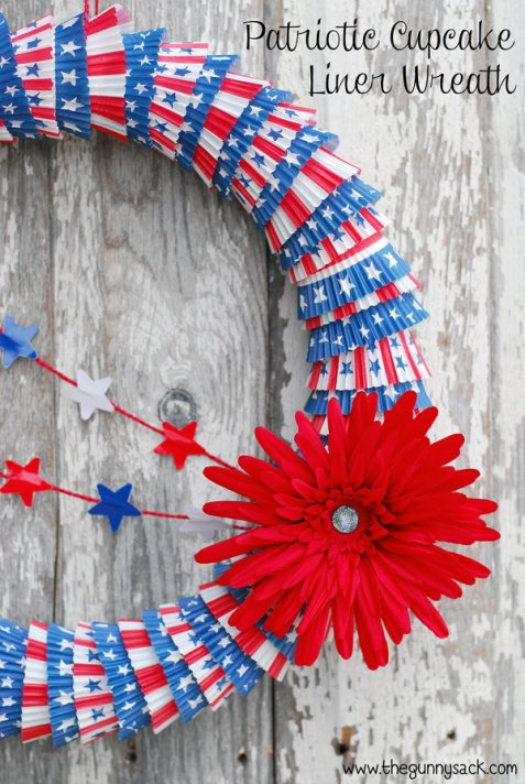 1-patriotic-wreath-decoration-idea