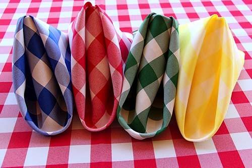 checkered cloth napkins